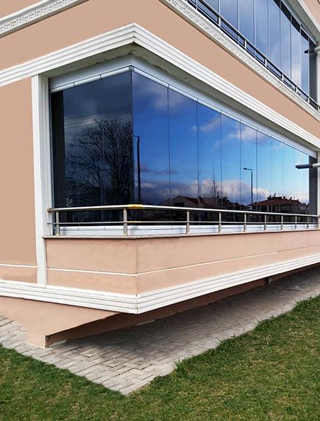 montagem de cortinas de vidro